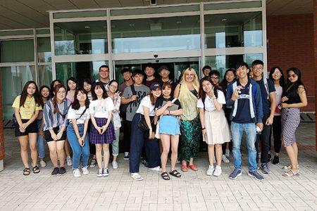 Skupina studentů předmětu Kulturní studia na startu